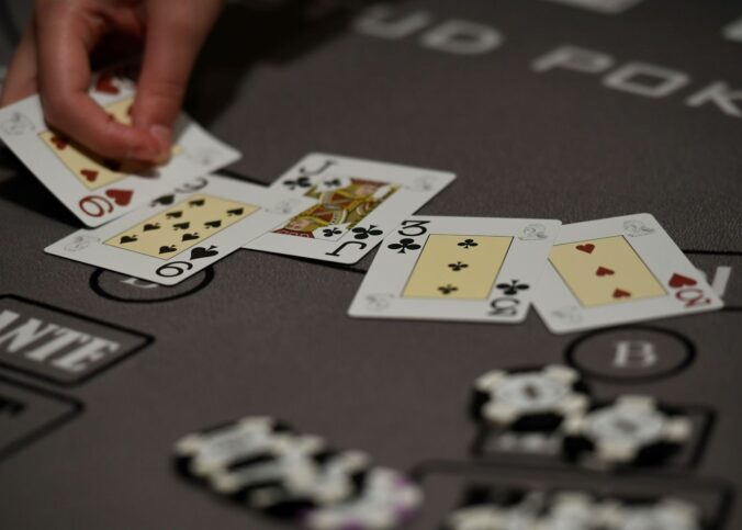 jauhi-poker-online