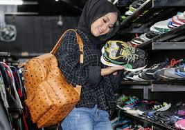 Tips Memilih Sneakers Wanita Terbaik