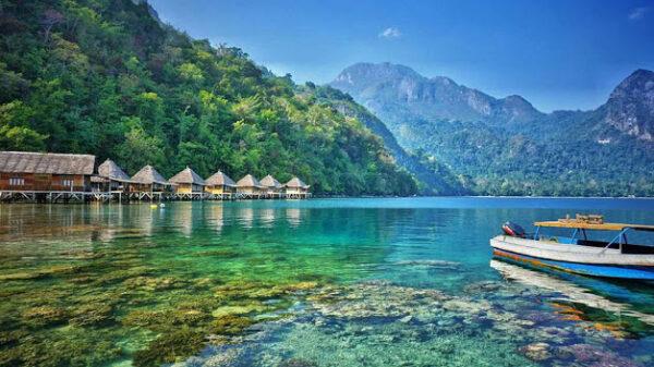 Tempat Wisata Di Maluku Yang Menarik Wisatawan
