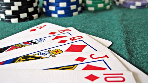 It is very easy to become a Poker Qiu Qiu Online member